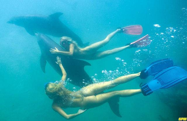 Nude Women Scuba Diving