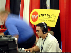 cnet radio live from linuxworld   dscf2281