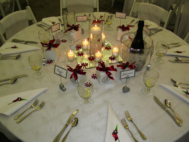 Table setting simple but elegant place settings for a