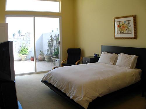 modern bedroom design ideas that work bedroom paint color ideas zimbio. Black Bedroom Furniture Sets. Home Design Ideas