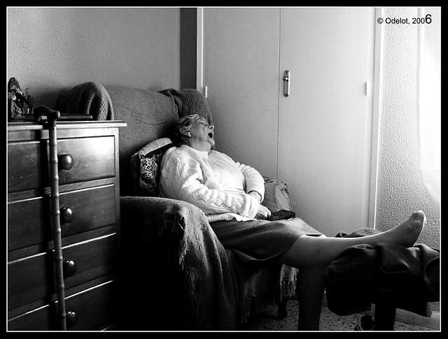 Durmiendo a pierna suelta - Sleeping