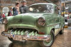 pontiac chieftain(0.0), compact car(0.0), automobile(1.0), automotive exterior(1.0), vehicle(1.0), mid-size car(1.0), plymouth cranbrook(1.0), antique car(1.0), sedan(1.0), vintage car(1.0), land vehicle(1.0), motor vehicle(1.0), classic(1.0),