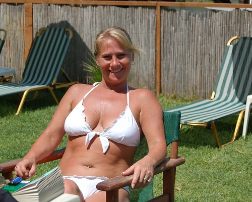fithian milf women Mature land - naked mature and older women picture galleries sexy moms posing nude at home naughty housewives post their homemade sex photos on the net.