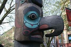 outdoor structure(0.0), park(0.0), statue(0.0), totem pole(1.0), art(1.0), tree(1.0), sculpture(1.0),