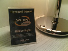 WiFi in Fontana Hotel - cool geeky stuff