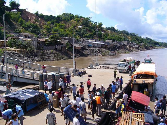 Ucayali river loadingUcayali River