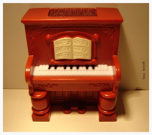 Doll house piano