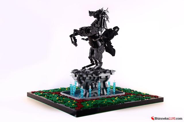 Diponegoro Statue