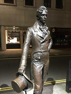 Beau Brummell 的形象. fashion statue suit tophat stjames beaubrummell