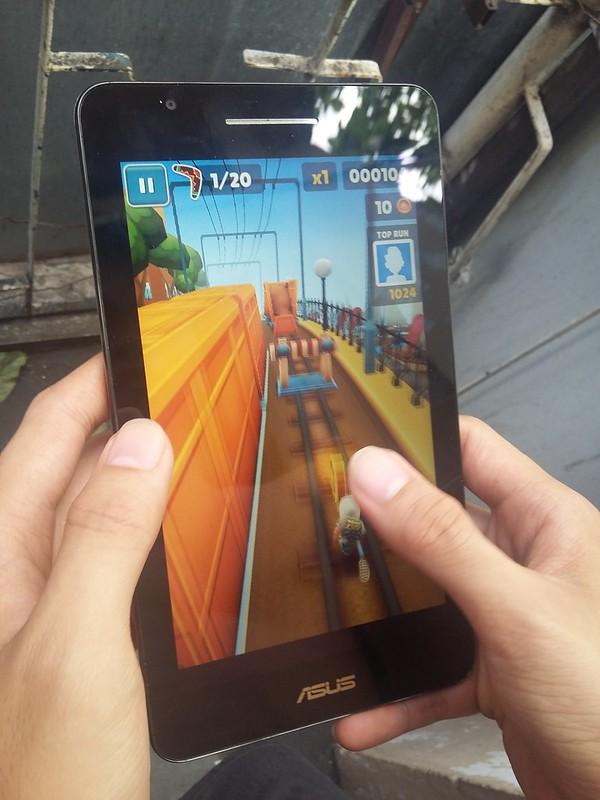 Trải nghiệm chơi game giải trí cùng Asus Fonepad FE171CG - 85098