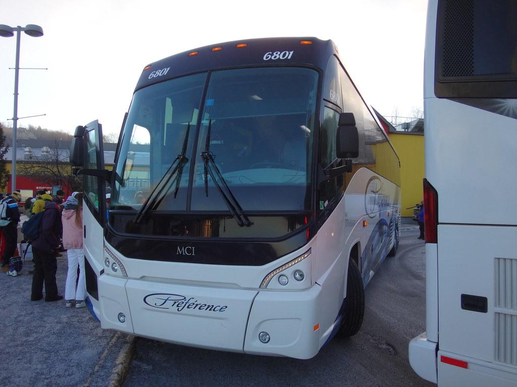 Autocar Préférence MCI J4500 6801