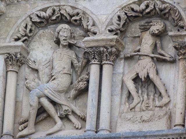 Detalle de la Catedral de San Pedro en Angulema (Poitou-Charentes, Francia)