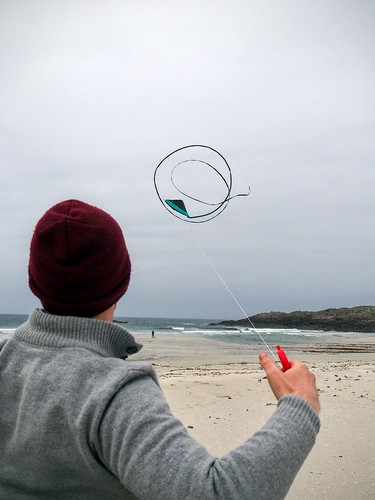 Kite flying on Balevullin beach, Tiree