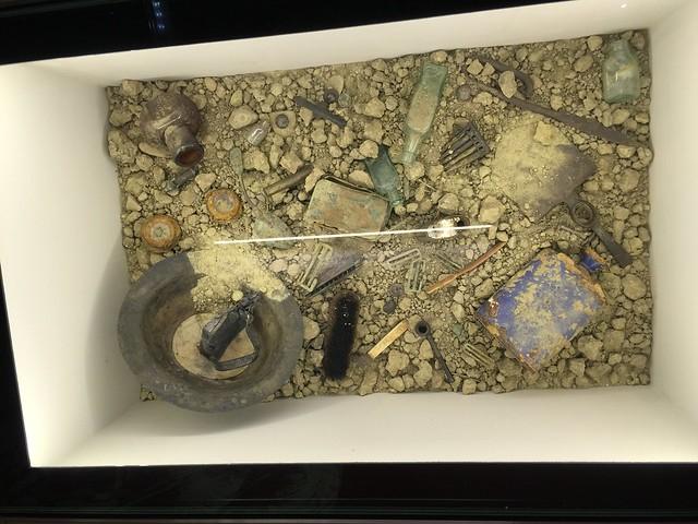 Restos de la I Guerra Mundial encontrados en una fosa común de Fromelles (Norte de Francia)