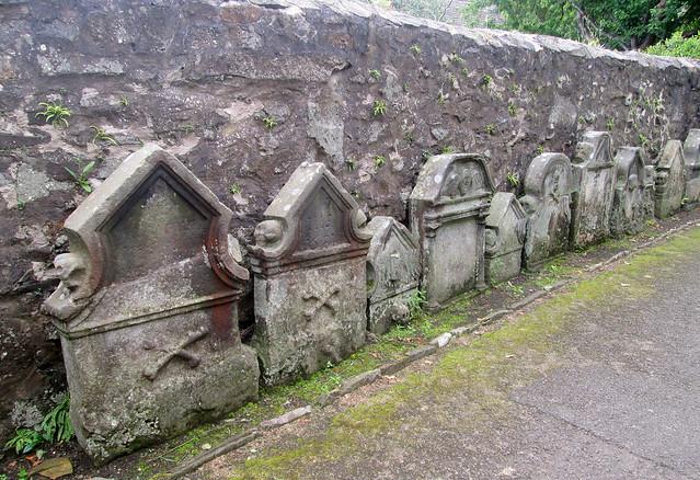 St  Fillan's kirk gravestones