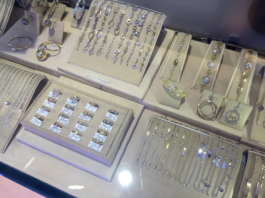 f&c-jewelry-sm-makati-launch