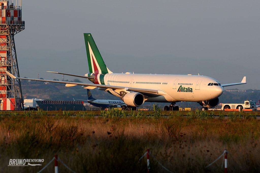 I-EJGA - A332 - Alitalia