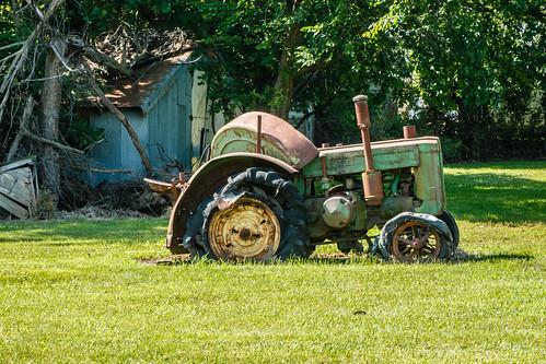 tractor ©allrightsreserved digitalidiot