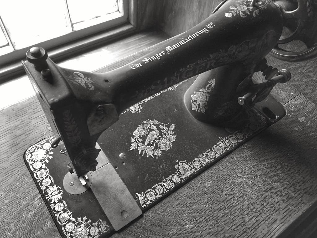 Ireland House in Burlington - Singer sewing machine