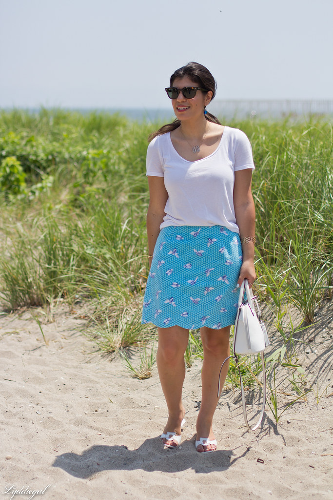 white tee, blue scalloped honey bee skirt, white bag-2.jpg