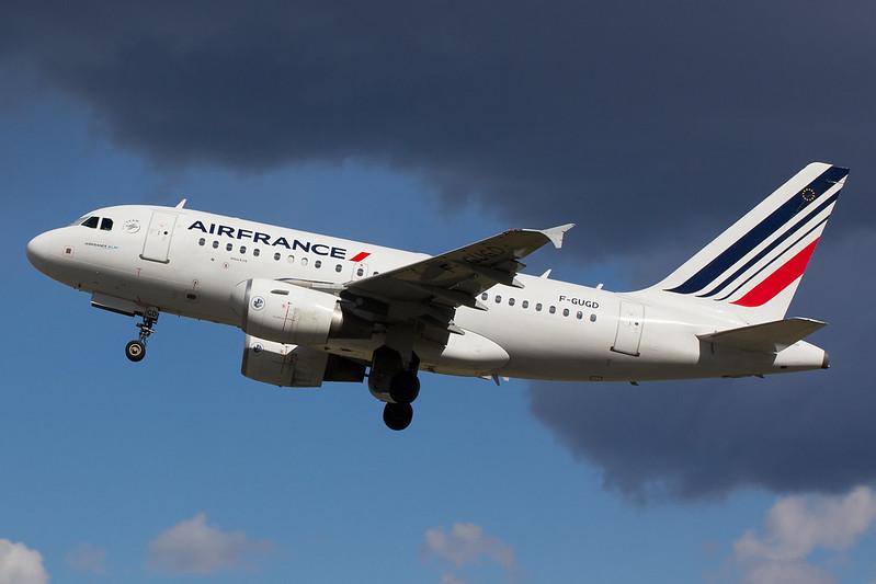 Air France - A318 - F-GUGD (1)