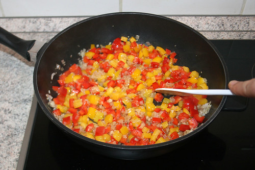 30 - Paprikawürfel andünsten / Braise bell pepper dices