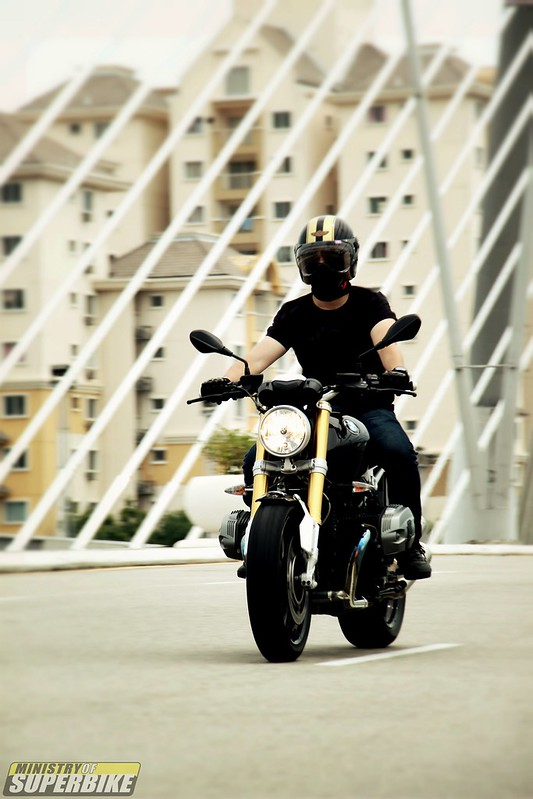 First Ride : BMW RnineT