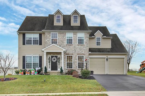 Amber Branchi has listed a beautiful home at 558 Royal Road, Lancaster, PA 17603! http://realestateexposures.com