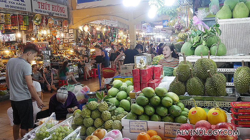 Fruits stall at Ben Thanh market