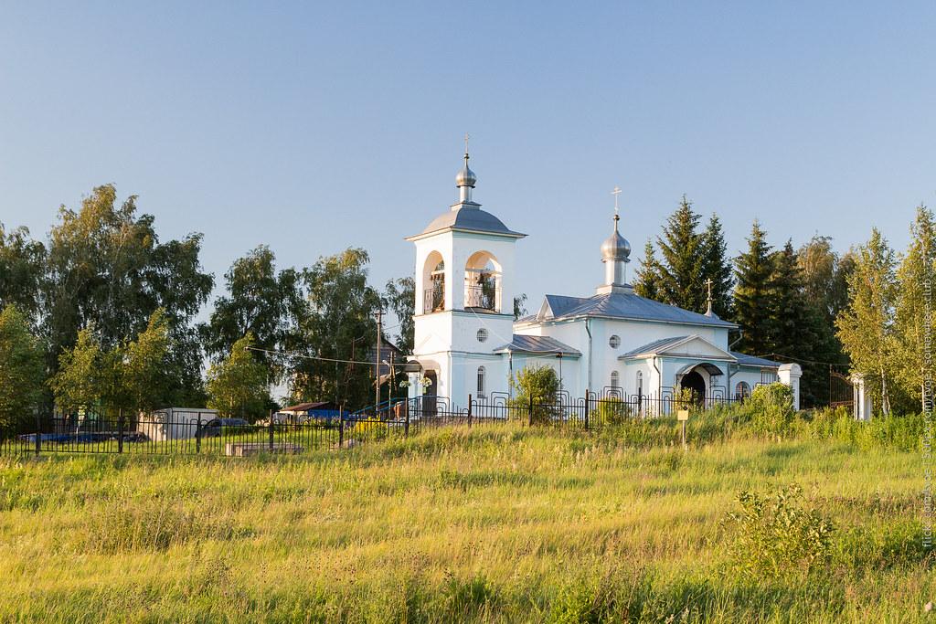 Церковь в Рязанцеве Ярославской области