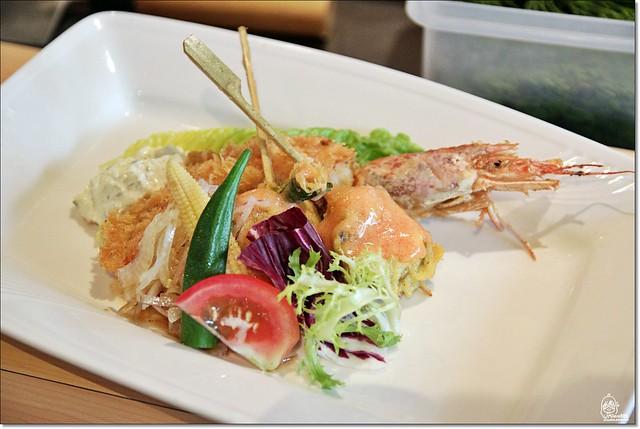 20042848620 f4bc832b3e z - 『熱血採訪』本壽司sushi stores-職人專注用心的日本料理精神,精緻生猛海鮮無菜單料理。情人節&父親節雙人套餐超值推出,道道是主菜,處處有驚喜。