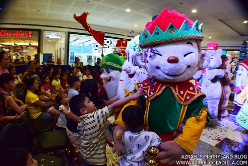 Grand Magical Christmas Parade in SM City Trece Martires (35)