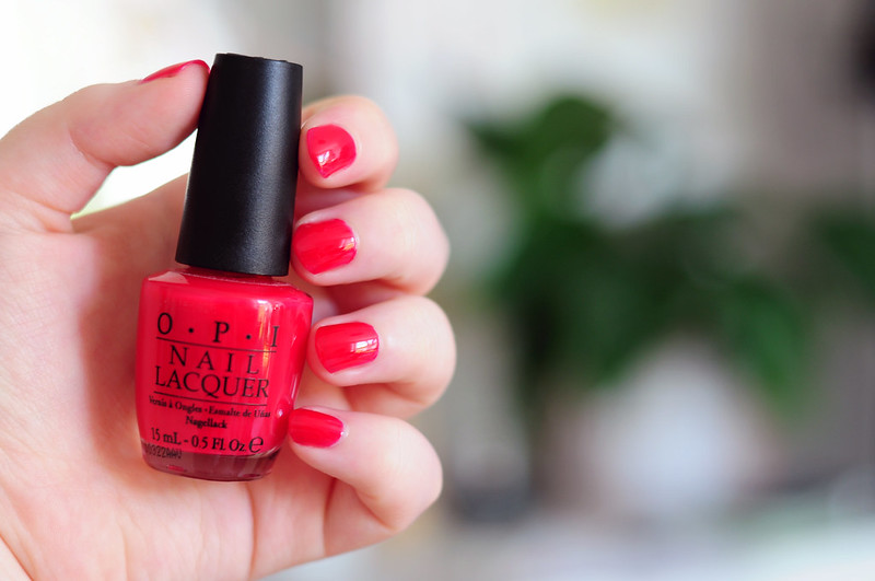 notd-opi-too-hot-pink-to-hold-em-nail-polish-rottenotter-rotten-otter-blog