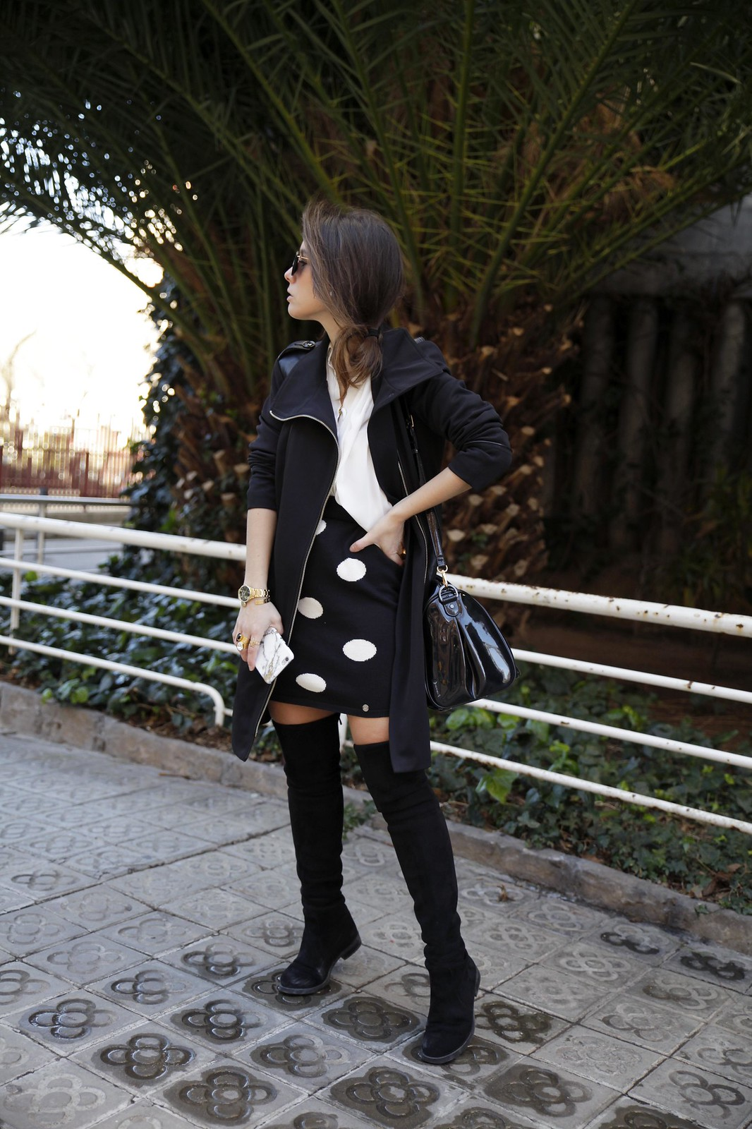 02_skirt_dots_black_and_white_outfit_theguestgirl_ruga_shop_online_long_boots