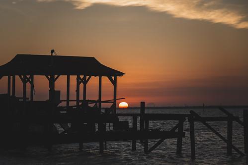 sunset lake lakepontchartrain madisonville louisiana sun orange canon teamcanon 5dmarkiii sigma70200mmf28exdgapooshsm sigma70200mmf28
