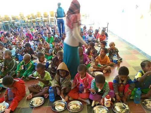 Children being fed thanks to the Dawhan Community Engagement Project and St Genevieves High School in Belfast.