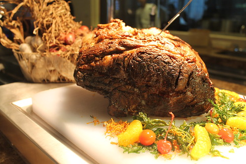 Australian Prime Rib, the Centerpiece of the Buffet (3)