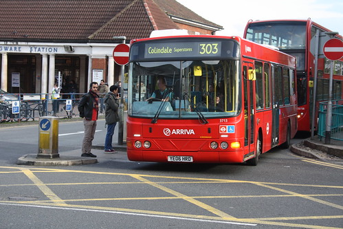 Arriva The Shires 3713 YE06HRD