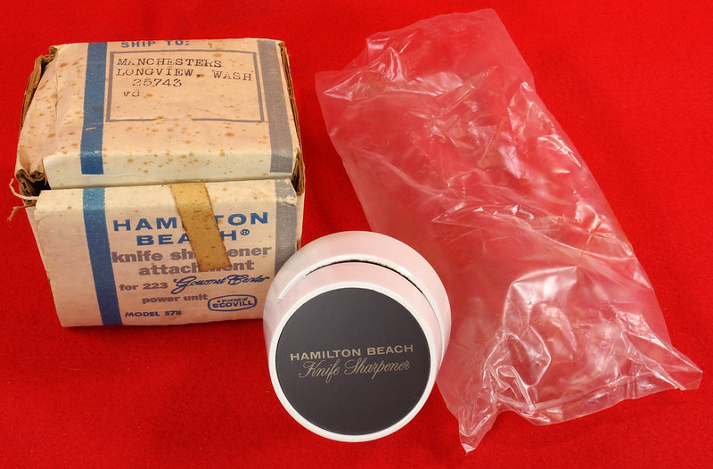 RD9228 Vintage Hamilton Beach Model 578 Knife Sharpener Attachmnt for 223 Gourmet Center Power Unit DSC08528
