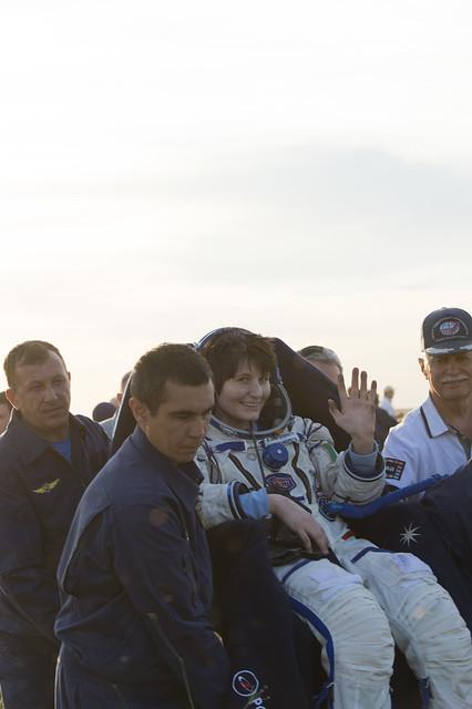 """[ISS] Expédition 43 """"Déroulement de la mission"""" - Page 7 18110033694_6643e1f781_z"""