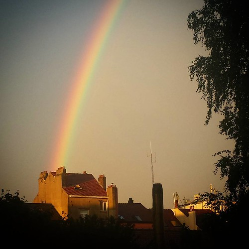 'Should I hop over and ask if I could have a quick look in their attic? #brussels #belgium #rainbow #photography #weather #moneypot