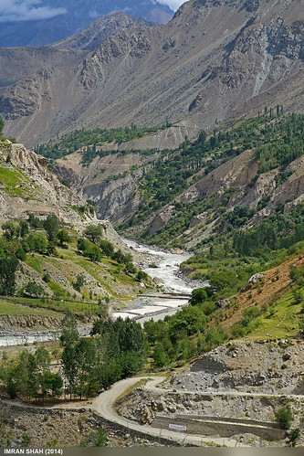 road trees pakistan mountains building water canon landscape geotagged rocks stream structures tags location elements vegetation greenery tele tamron astore gilgitbaltistan canoneos650d imranshah gilgit2 tamronsp1750mmf28dillvc