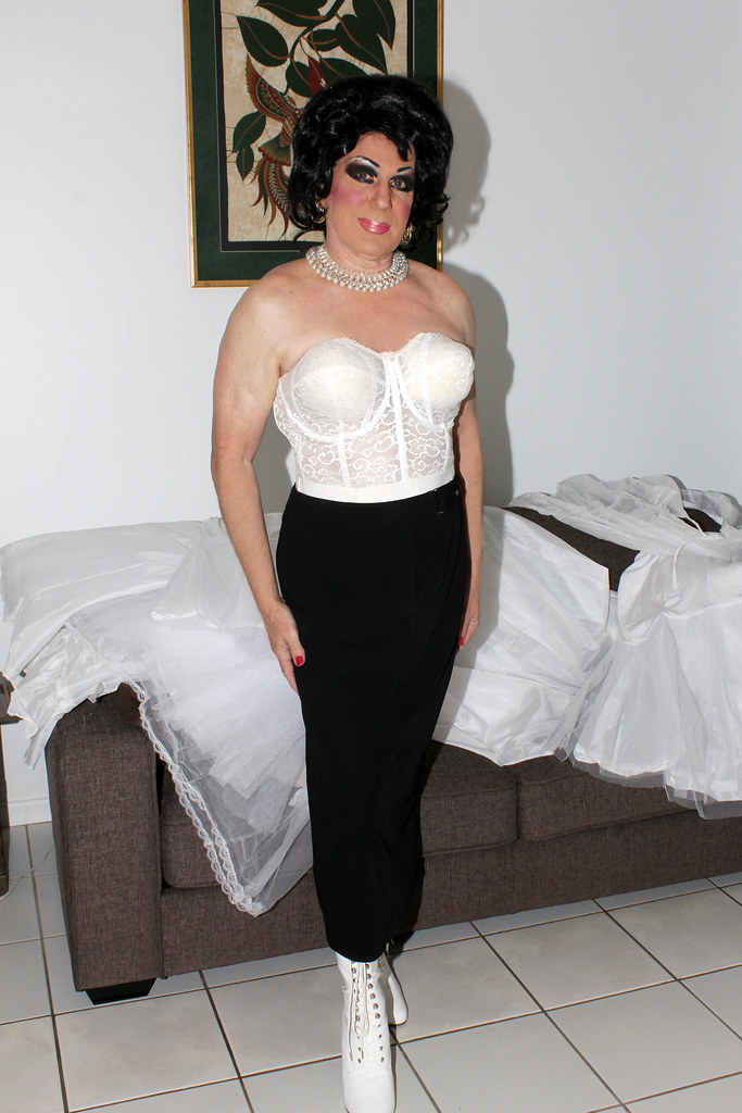 Transvestite bras