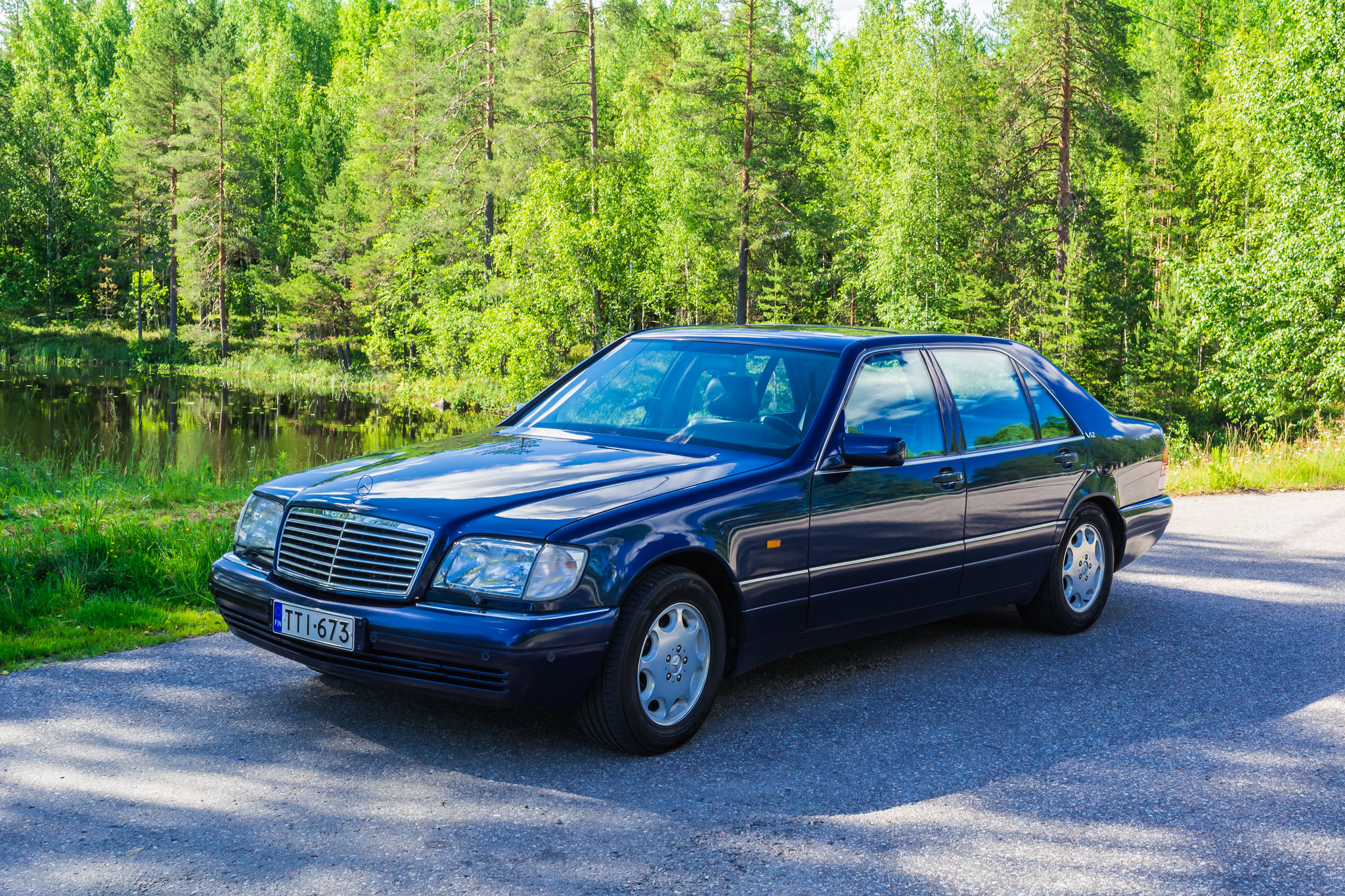 Back to photostream for 1995 mercedes benz s600