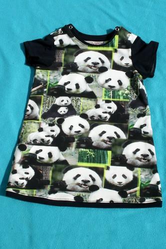 Kleedje voor Selah - Panda's!