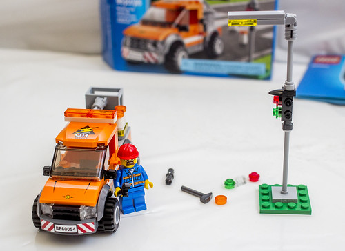life in plastic: LEGO CITY - Light Repair Truck (60054) (a LEGO ...