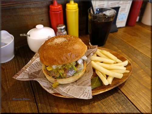 Photo:2016-11-04_ハンバーガーログブック_パティが変わって驚いた!【小伝馬町】Jack 37 Burger_01 By:logtaka
