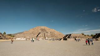 ภาพของ Teotihuacán ใกล้ Ampliación San Francisco. 2017 winter mexico mexicocity teotihuacan pyramidofthemoon january mexique estadosunidosmexicanos mexiko 墨西哥 pyramides pyramid