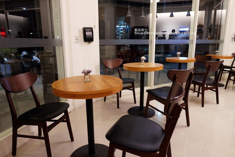 32320405421 c66cc16693 c - Supple coffee-正妹姐妹咖啡館.簡單舒服空間.甜點餅乾咖啡茶品
