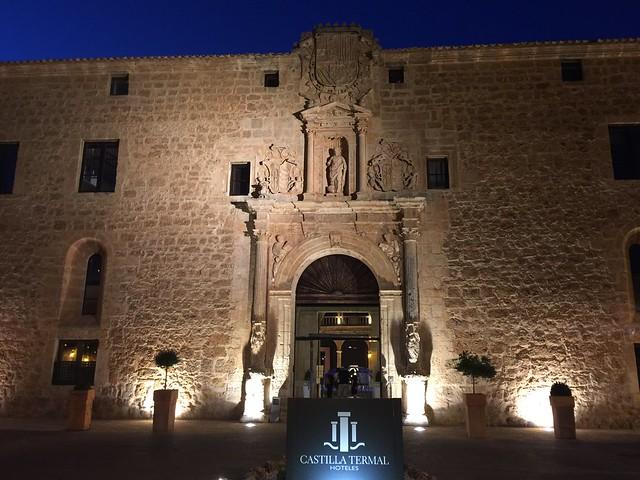 Fachada del Hotel Termal Burgo de Osma (Soria)